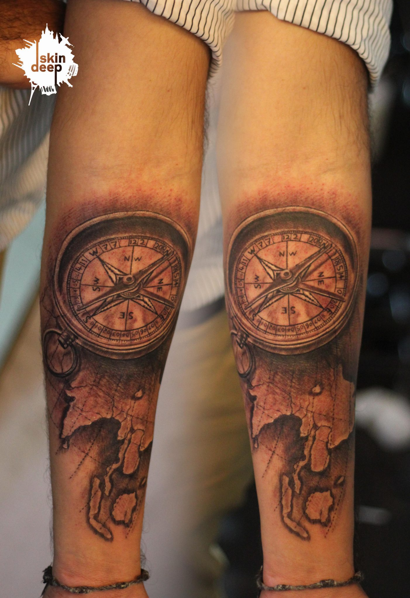 Grey Scale – Compass Tattoo